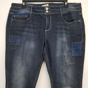 MUDD jeans distressed patchwork size 17